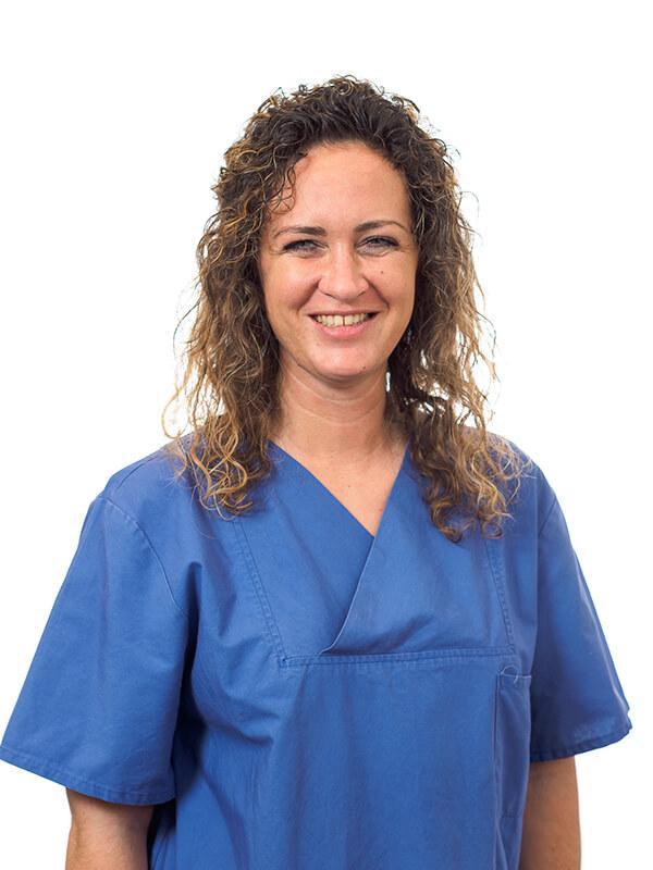 Hausarzt Dr. Andreas Fürsch - Nephrologe Aazami Gilan - Team - Julia Keller
